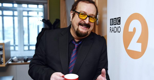 Liz meets Steve Wright (In the Afternoon).
